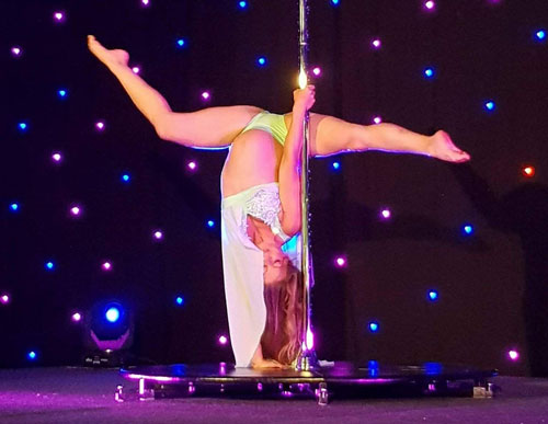 Pre Natal Pole Fitness: Performing at 27wks preggo…